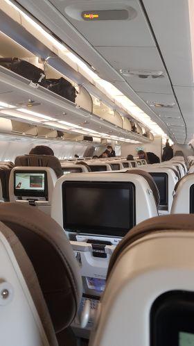 L'avion était plutôt vide, et heureusement!
